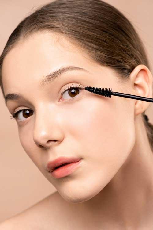 Homewear, consigli di stile per Desperate Housewives: mascara
