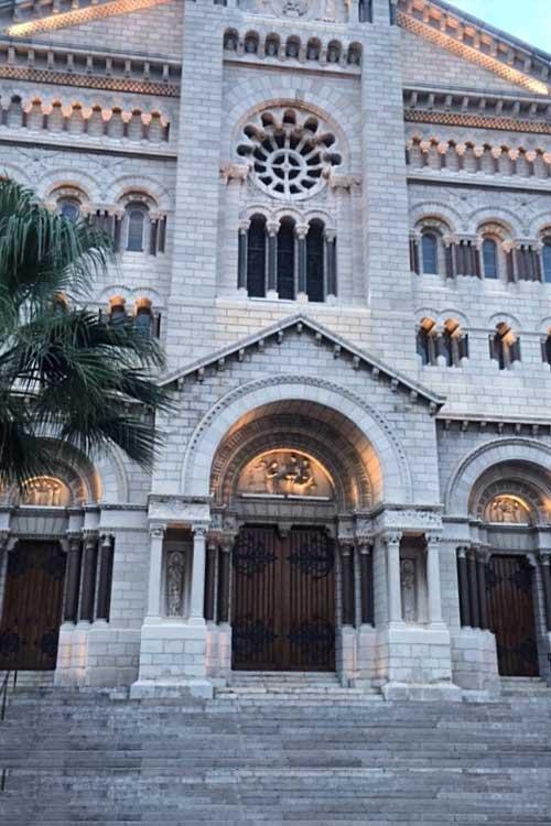 Cattedrale dell'Immacolata Concezione, nella quale riposano l'amatissima Principessa Grace e il suo Principe Ranieri III